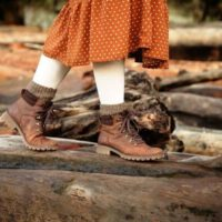 Image of how to use mink oil on boots